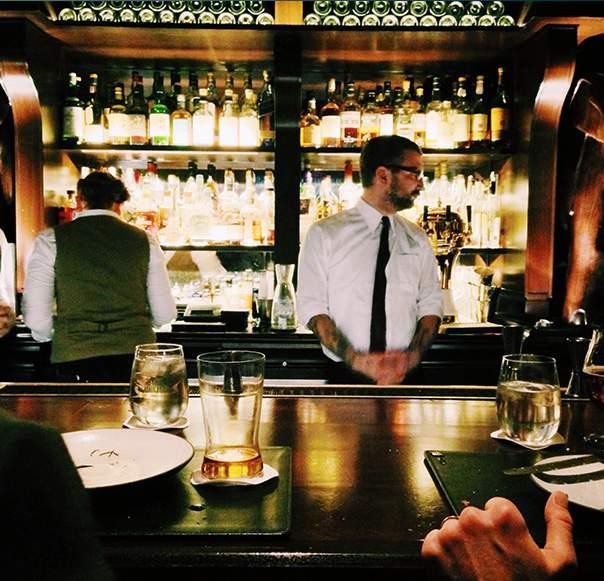 vtc bordeaux voiture chauffeur ed.car wine tour vin sorties soiree bordelaise bar à vin boite pub